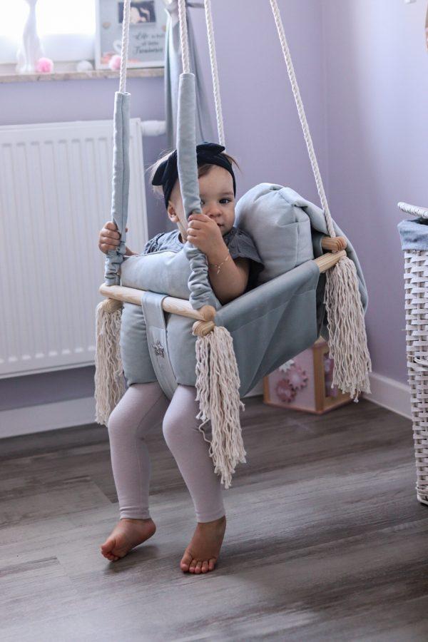 velours, balançoire en bois pour les enfants lapin